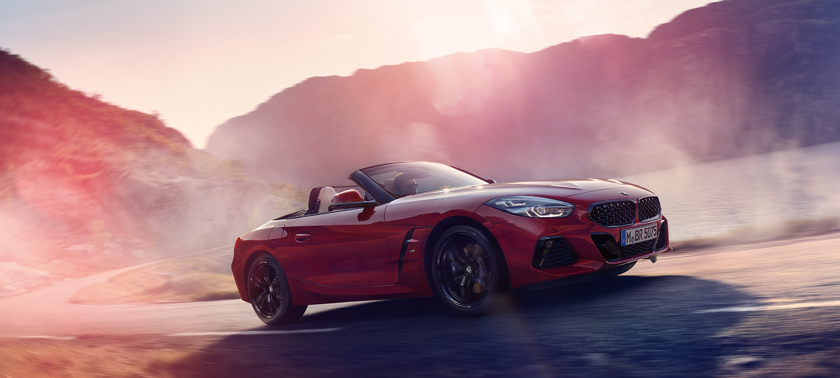 BMW Z4 Roadster urcând un deal
